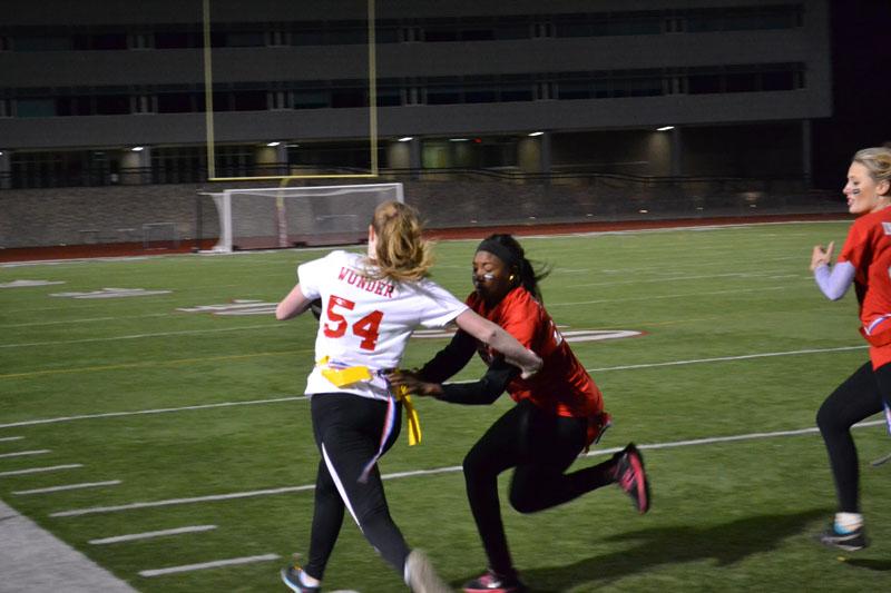 Seniors win Powderpuff football game
