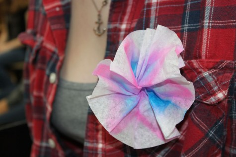 "GSA wears paper flowers for ""Transgender Day of Remembrance"""