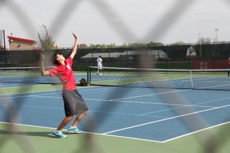 Boys' tennis wins last conference match of season