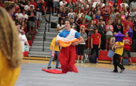 Freshmen tied with seniors after Homecoming Kick Off Assemblies