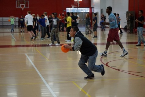 Foreign language clubs compete in dodgeball tournament