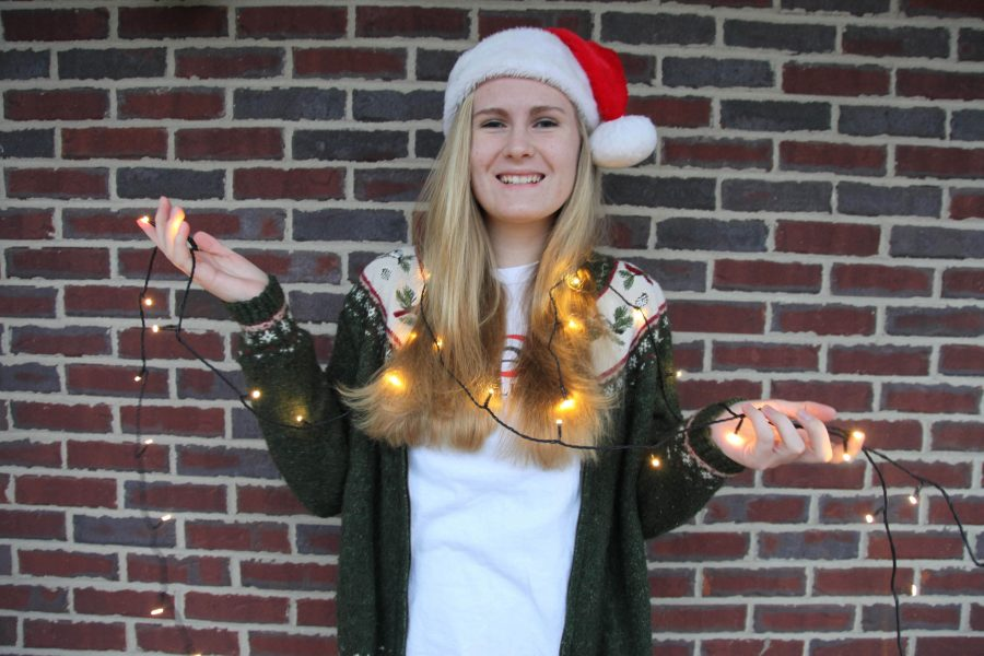 Senior Jane Szymanski organizes cross country Christmas caroling