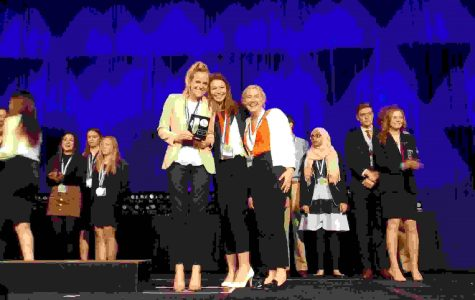DECA to send 16 to nationals