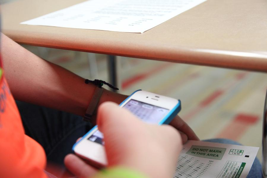Smartphone+cameras+are+providing+students+with+easy+and+fairly+inconspicuous+ways+to+cheat+in+class.