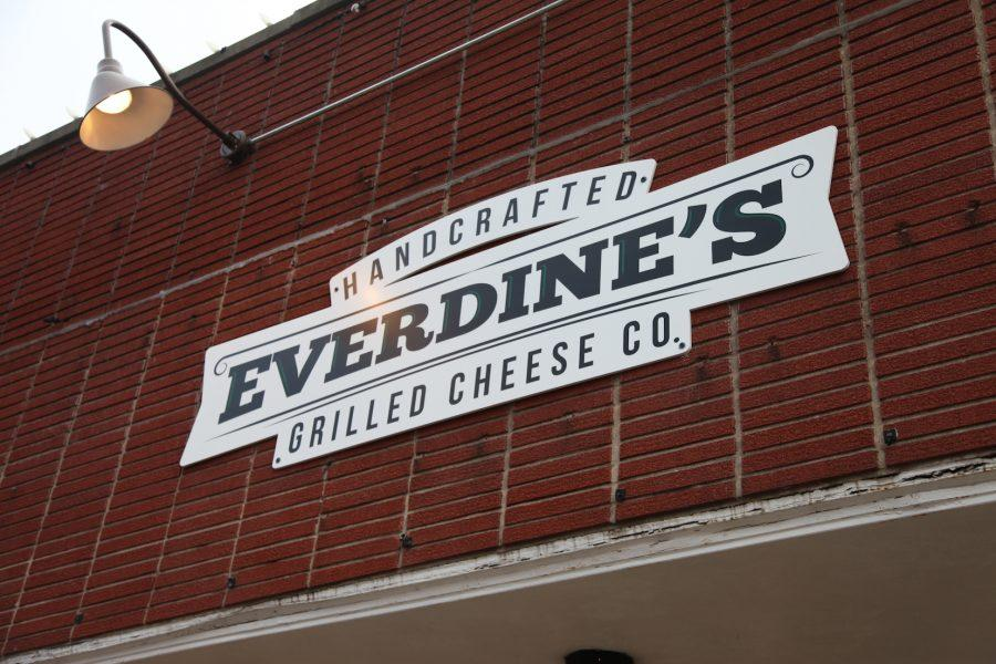 Everdine%27s+Grilled+Cheese+Co.+diversifies+Downtown+Naperville