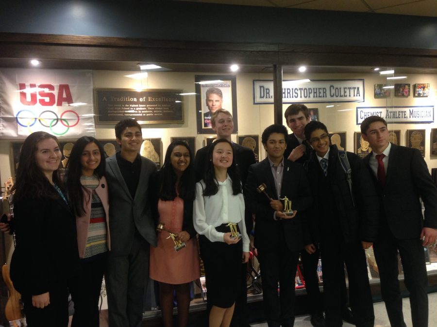 Naperville+Central+takes+on+last+no-cut+Congressional+Debate+tournament