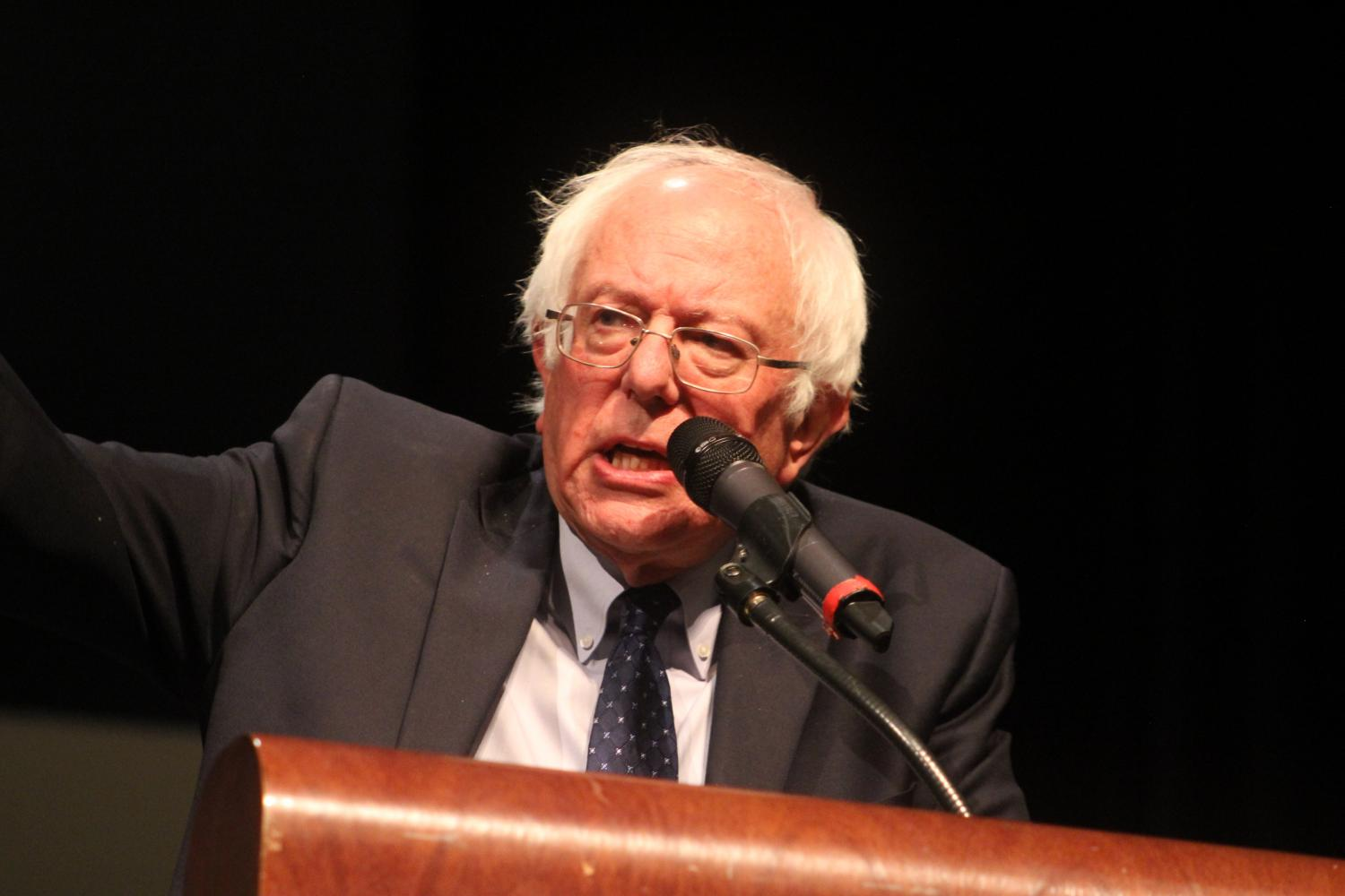 Sen.+Bernie+Sanders+of+Vermont+speaks+to+students+in+the+Naperville+Central+auditorium+on+Aug.+30.