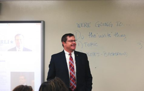 U.S. Representative visits Central Government class