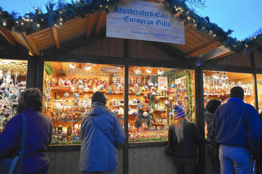 Christkindlmarket kindles holiday cheer for Naperville families