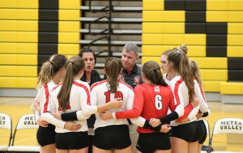 Young girls varsity volleyball team starts strong