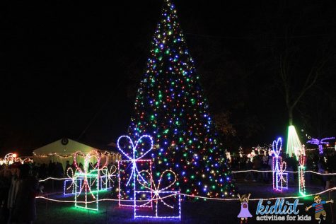 Fun, festive, full of color: Naperville prepares for annual Naper Lights event