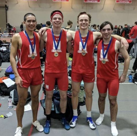 Boys track team breaks school record in 4×800 relay