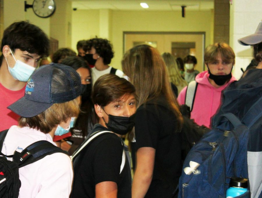 Survey shows improper student mask wearing present in most classes